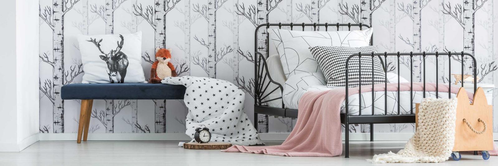 Bedruckbare Folien für Innenraum Dekoration - Schlafzimmer mit bedruckter Tapete, Kissen und Bettwäsche