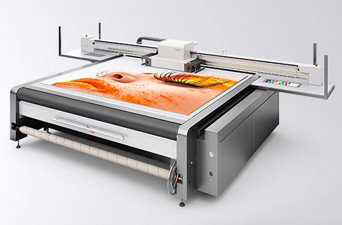 Medien für swissqprint Drucker. Swissqprint Drucker Oryx im Einsatz.