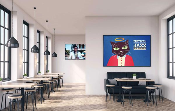 Druckmedien Poster- und Plakatpapiere - Café Interior mit zwei gerahmten Postern an der Wand